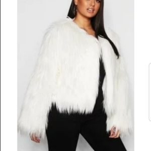 Last chance 1/22** Plus shaggy faux fur jacket
